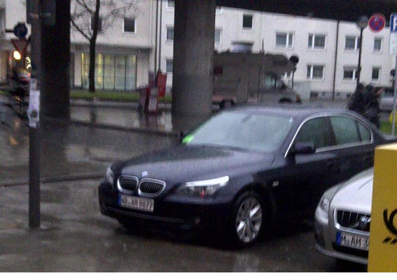 BMW-im-Regen , BMW 5er- E60 523i Facelift Baujahr 2008